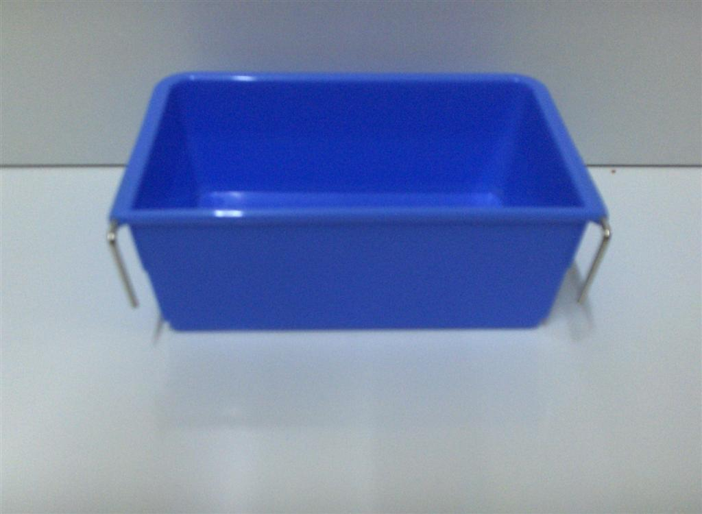 SMALL PLASTIC RECTANGLE CUP W/METAL HOOKS